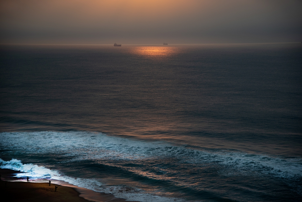 """alt=""""horizons must be straightened as shown image of the sea and ships"""""""